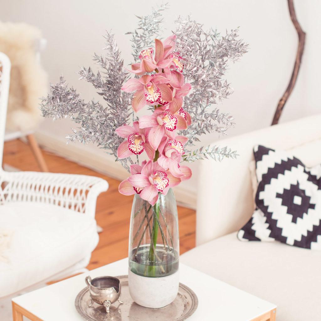 Blumen für die Tischvase