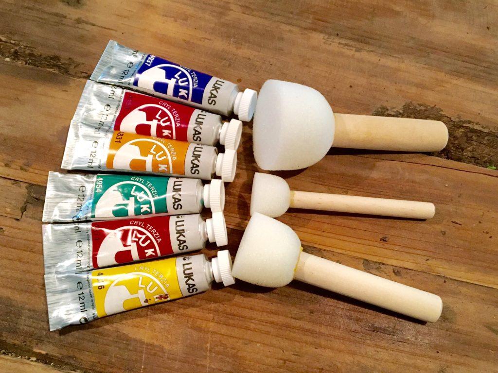 DIY-Vase Farbe und Pinsel