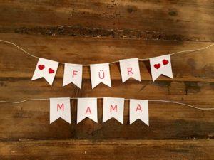 Fertige Wimpel für DIY-Muttertagsgeschenk