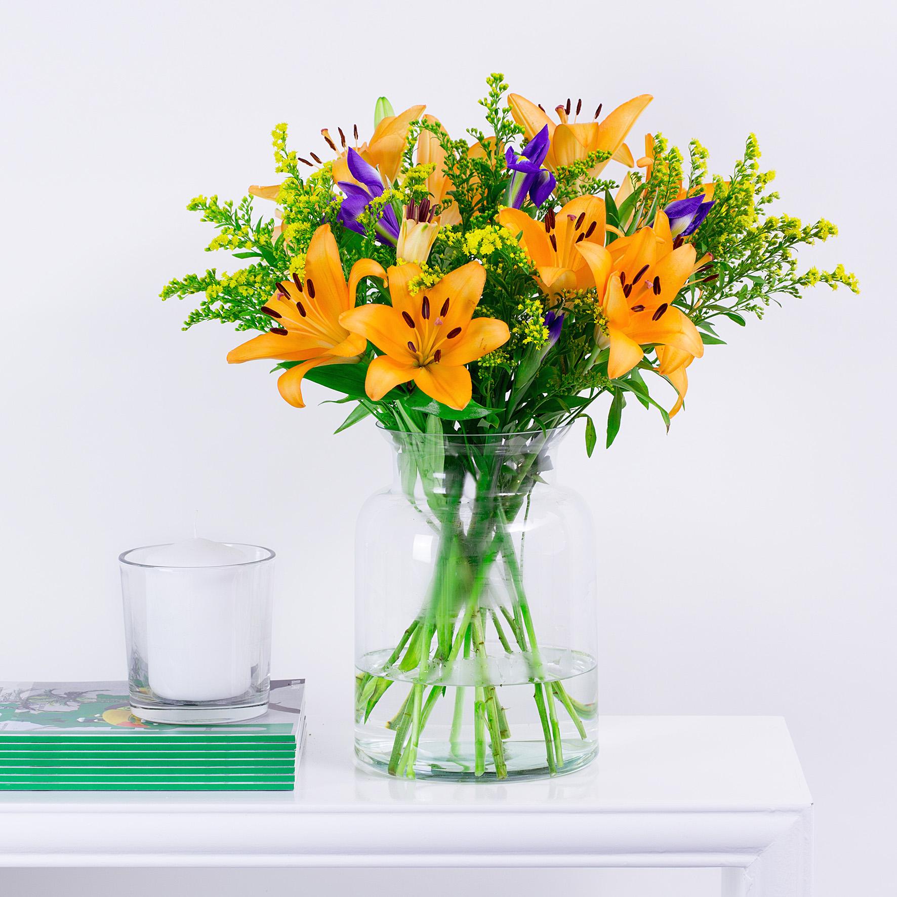 Blumen der Woche: Flaming Sky. Lilien, Iris und Solidago