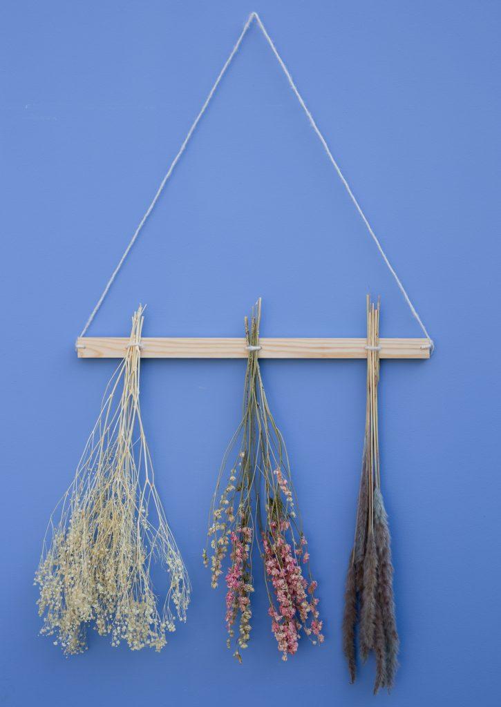Trockenblumen DIY Wandleiste