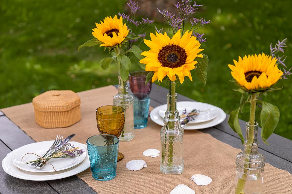 Sommerdeko mit Sonnenblumen